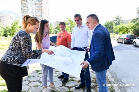 """Започва благоустрояването на междублокови пространства в """"Българка"""""""
