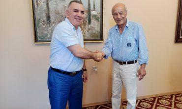 """Стефан Радев се срещна с Георги Калайджиев, създател на проекта """"Музиката вместо улицата"""""""