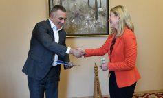 Стефан Радев се срещна с представителката на УНИЦЕФ в България